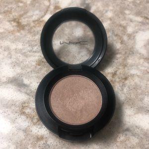 MAC Cosmetics Eyeshadow Era